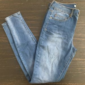 High Rise medium blue MUDD Jeans size 9